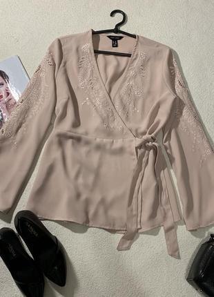 Шикарная пудровая блуза на запах,размер м