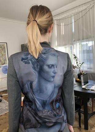 Дизайнерский пиджак с рисунком на спине