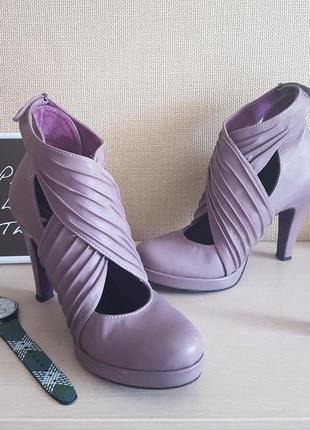 Сиреневые туфли  tamaris с оригинальной застежкой. р. 38 (24 см)