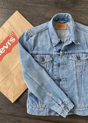 Джинсовая куртка от levi's