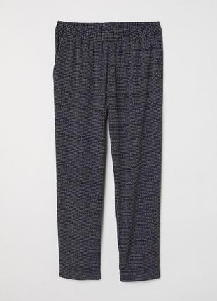 Креповые брюки h&m 0575542003 черного цвета