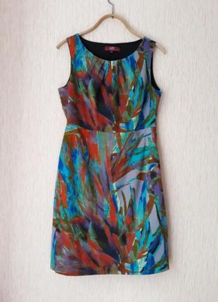 Яркое платье американского бренда liv