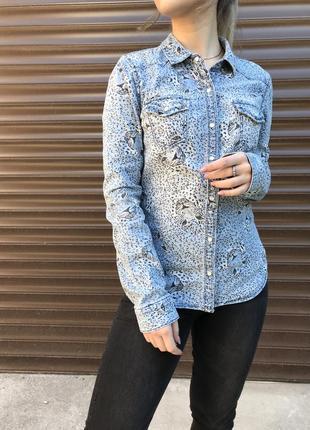 Рубашка с принтом леопарда стильная