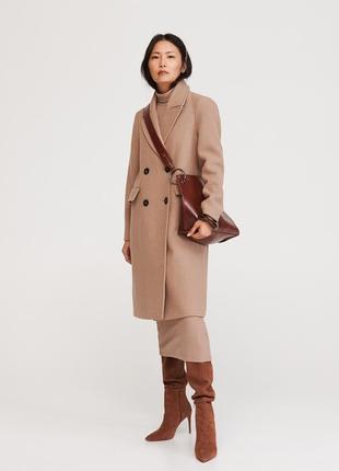 Пальто шерсть бежевого цвета