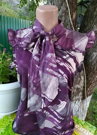 Фиолетовая блузочка с бантиком на шеее