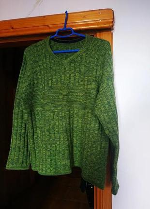 Вязаный свитер с v-вырезом