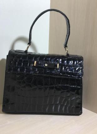 Женская лаковая черная  сумка liz claiborne