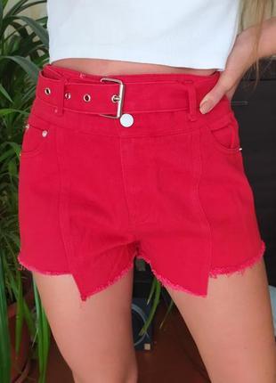 Стильные ассиметричные джинсовые шорты рванки с поясом ремнем на талии  100% коттон