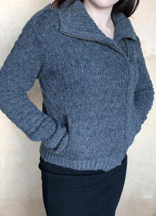 Кофта с погонами/ теплая вязанный свитер/ косая молния/свитер на молнии