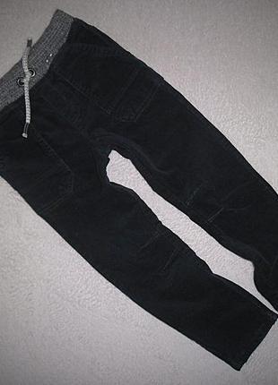 Вельветовые джинсы на трикотажной подкладке tu на 4-5 лет.
