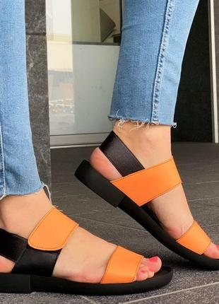 Шкіряні оранжеві босоніжки