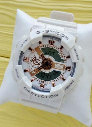 Люкс качество! спортивные наручные часы белого цвета с золотыми элементами