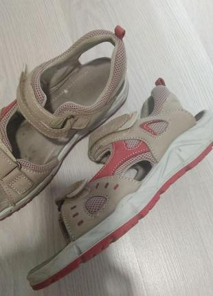 Galapagos. сандали 40р. кожа. сандалии