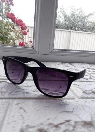 Новые,солнцезащитные очки унисекс