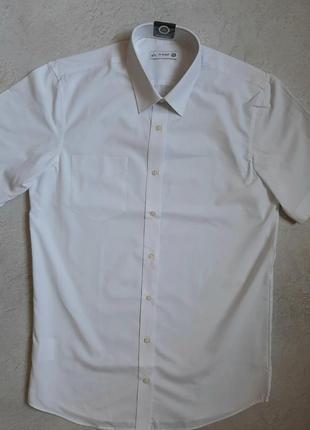 Белая рубашка с коротким рукавом  c&a