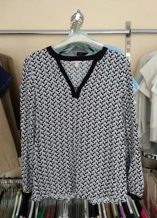 Лёгкая блуза из вискозы в принт собачка esprit