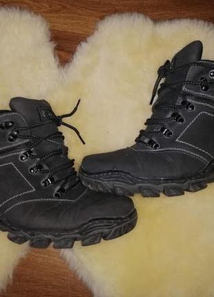 Зимние мужские ботинки, кроссовки 42 р.