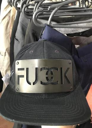 Дерзкая дизайнерская кепка karl alley👌💪🏻