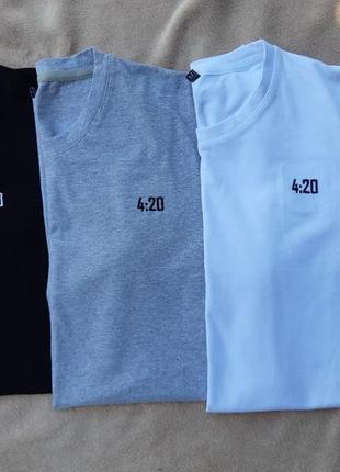 Комплект из трех мужских футболок