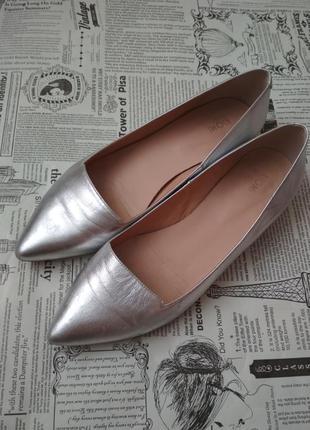 Кожаные серебристые туфли на низком каблуке, балетки, kiomi