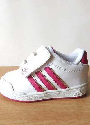 Классные кроссовки adidas 23 р. стелька 14,4 см