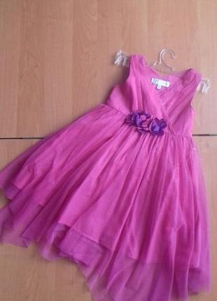 Яркое нарядное платье для девочки 3-4 лет.