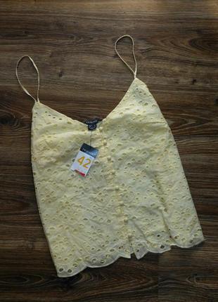 Лимонный топ блуза майка на тонких бретелях с выбитым рисунком ришелье перфорацией primark