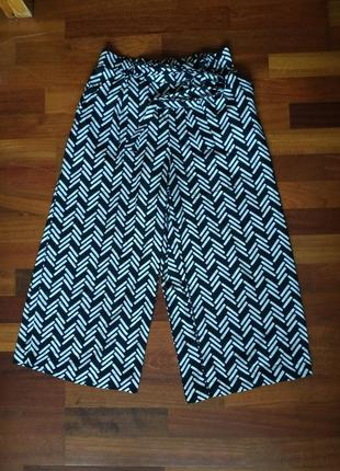 Кюлоты летние брюки с  интересным принтом