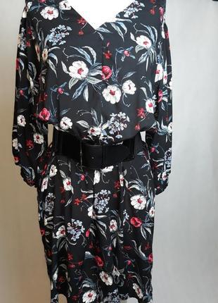 Славное платье в цветочек