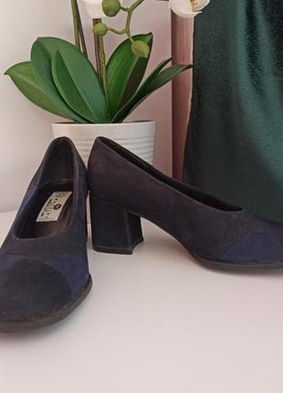 Очень классные удобные туфли на устойчивом каблуке