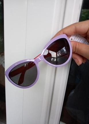 Стильные очки для девочки сиреневые с красными дужками стиль одри хепбёрн