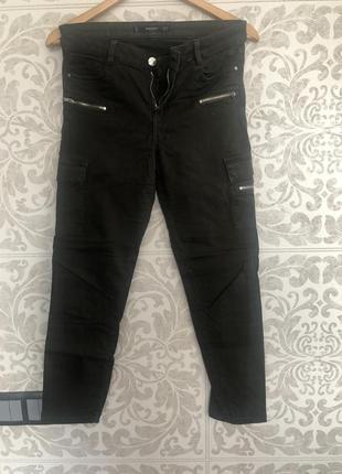 Джинсовые штаны цвета хаки