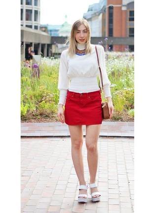 Джинсовая красная мини юбка bershka