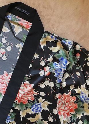 Актуальная стильная накидка кимоно