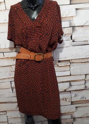 Платье прямого кроя мили длины из вискозы