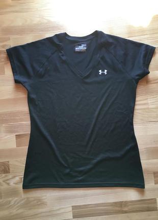 Чорна спортивна футболка under armour