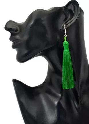 Серьги кисточки зелёные