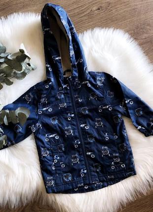 Синяя курточка-дождевик с машинками для мальчика
