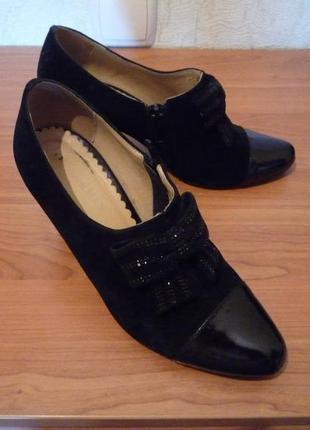 Красивые туфли 34-35 натуральная кожа и замша