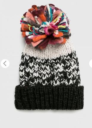 Новая яркая шапка