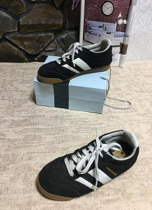 Кросівки шкіряні фірмові skechers