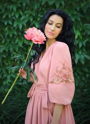 """Нарядное платье с ручной вышивкой """"розовый пион"""""""