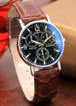 Часы наручные мужские коричневые