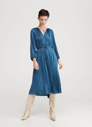 Атласное плиссированное миди платье сукня плиссе потрясающий цвет коллекция 2020