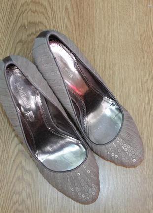 Женские  нарядные туфли john lewis