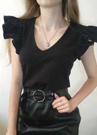 Блузка / кофта с вырезом на груди