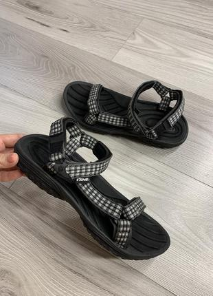 Новые!!!!супер качественные сандали teva