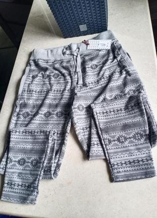 Классные спортивные брюки fabric