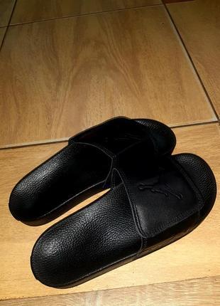 Осталось две пары 44 и 45 размер.распродажа.кожаные мужские шлепанцы jordan.кожаные5 фото