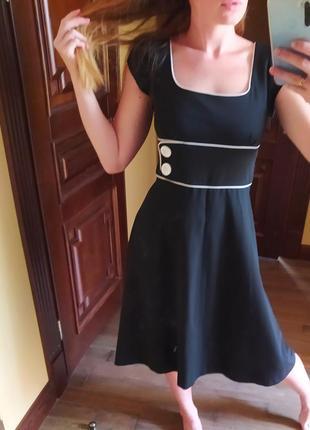 Платье миди в ретро стиле